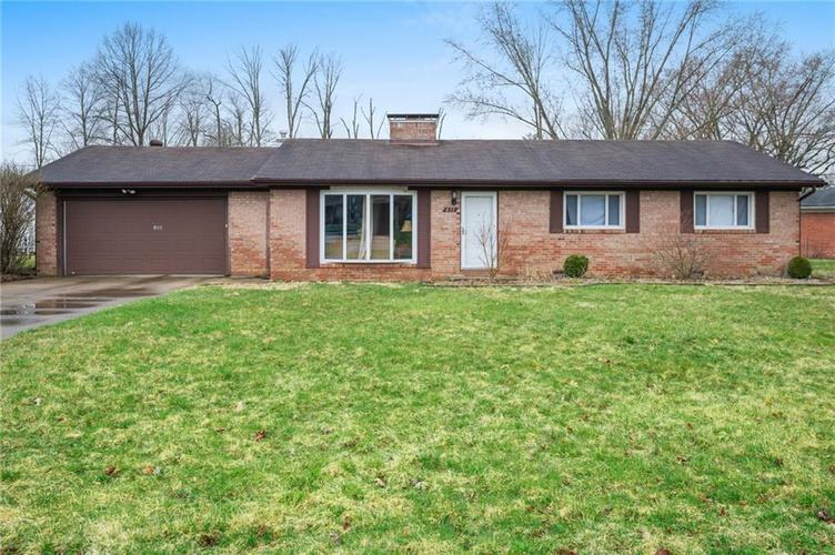611 Oxford Road Anderson, IN 46012 | MLS 21631528 | photo 1