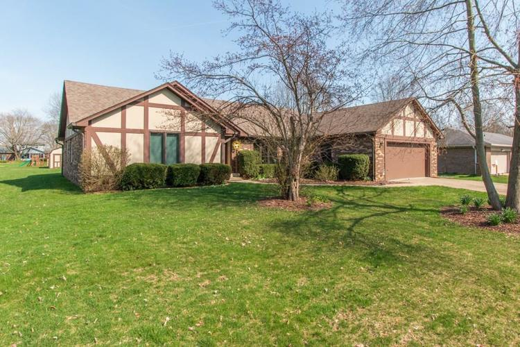 423  WOODLAND EAST Drive Greenfield, IN 46140 | MLS 21631541