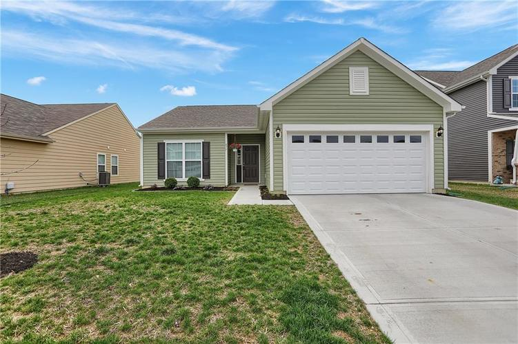 877  Coralberry Lane Greenwood, IN 46143 | MLS 21631739