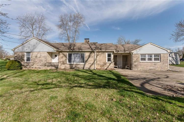 1462 W Smith Valley Road Greenwood, IN 46142 | MLS 21631784