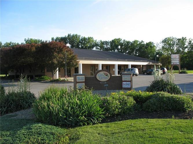 8301 W 10th Street Indianapolis, IN 46234 | MLS 21631819 | photo 1
