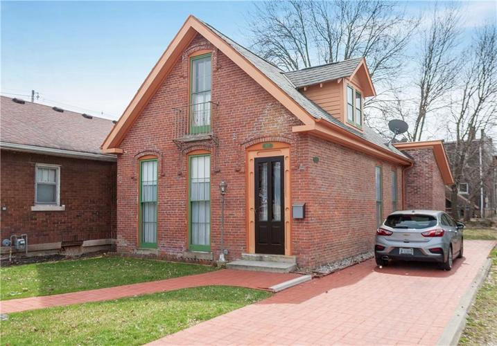 127 W 8TH Street Anderson, IN 46016 | MLS 21631888 | photo 1