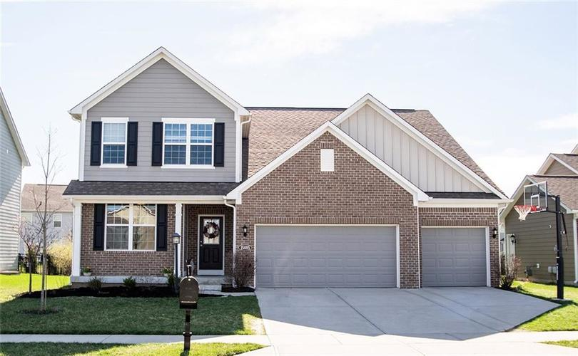 15885  Viking Meadows Drive Westfield, IN 46074 | MLS 21631935