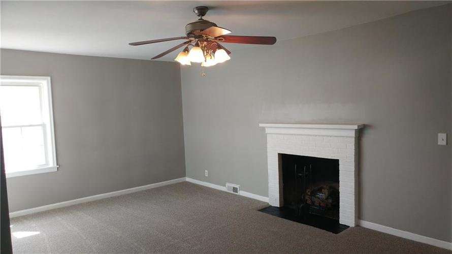 2212 Pennsylvania Street Columbus, IN 47201 | MLS 21632048 | photo 4
