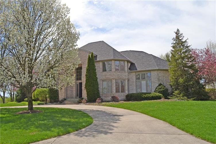 713  Suffolk Lane Carmel, IN 46032 | MLS 21632105