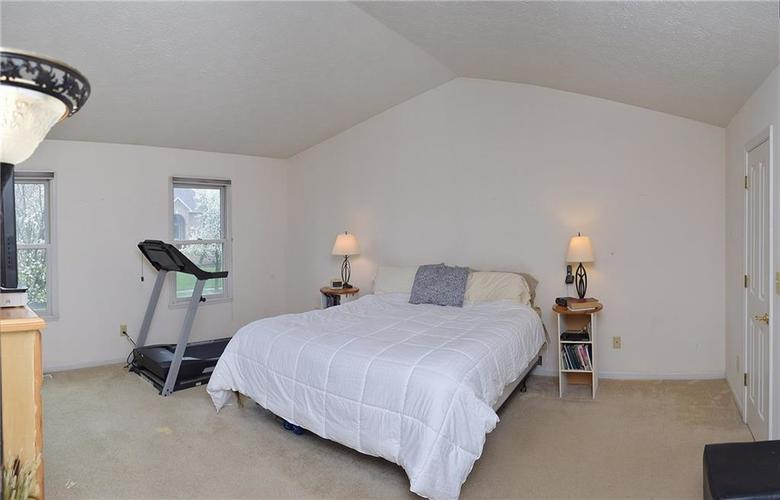 8318 Admirals Landing Place Indianapolis, IN 46236 | MLS 21632161 | photo 12