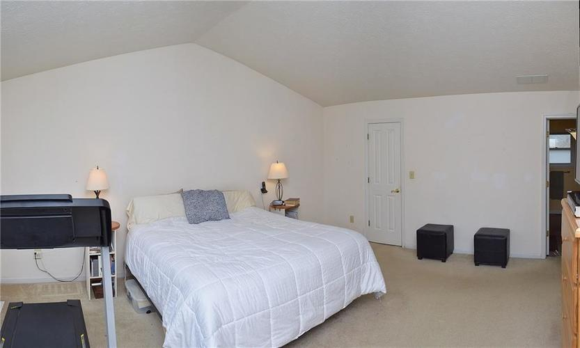 8318 Admirals Landing Place Indianapolis, IN 46236 | MLS 21632161 | photo 13