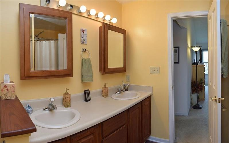8318 Admirals Landing Place Indianapolis, IN 46236 | MLS 21632161 | photo 17