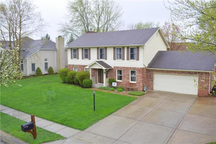 8318 Admirals Landing Place Indianapolis, IN 46236 | MLS 21632161 | photo 2