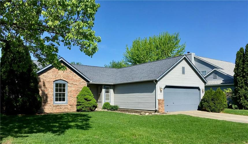 7724 Bayhill Drive Indianapolis, IN 46236 | MLS 21632295 | photo 2
