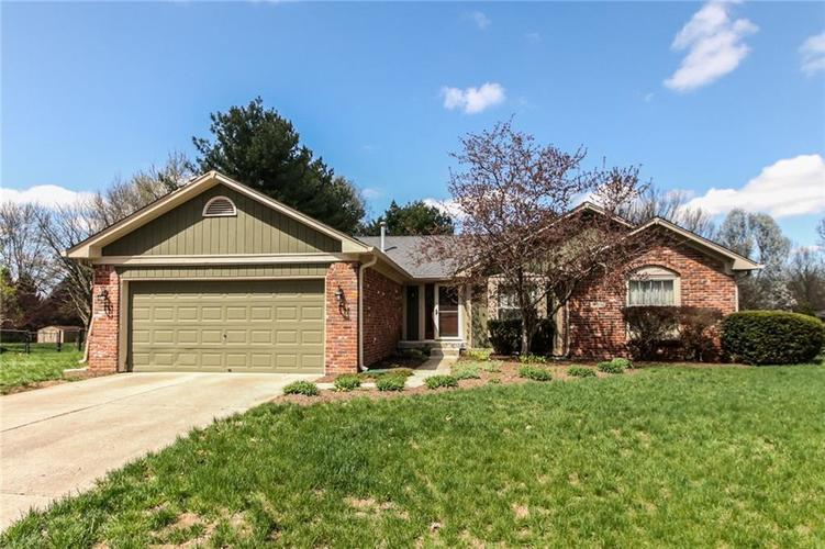 4138  WILLOW WIND Drive Greenwood, IN 46142 | MLS 21632335