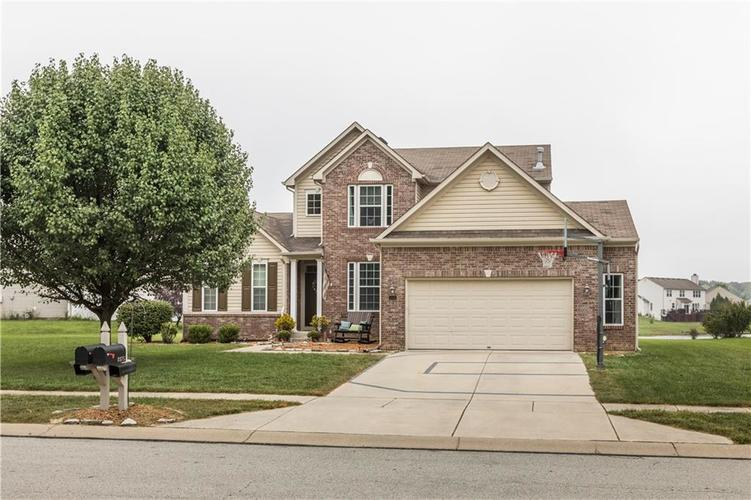 8372  CHARLESTON Way Avon, IN 46123 | MLS 21632362