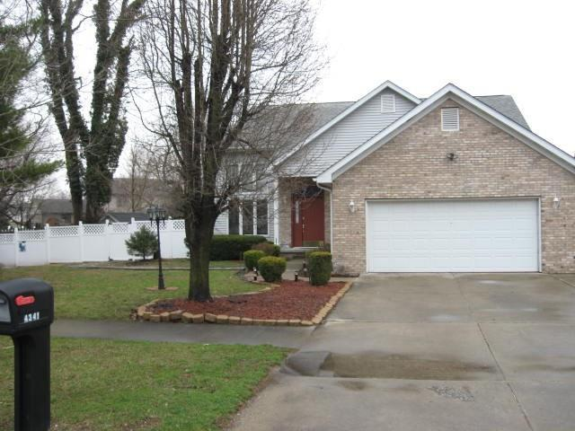 4341 River Road Columbus, IN 47203 | MLS 21632399 | photo 1