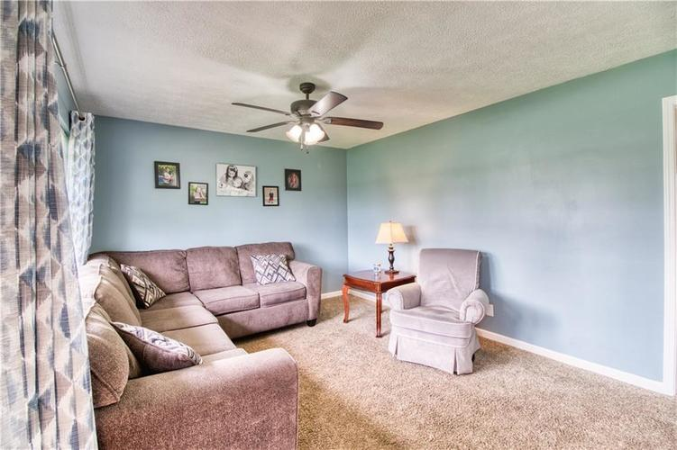 7440 Combs Road Indianapolis, IN 46237 | MLS 21632513 | photo 2