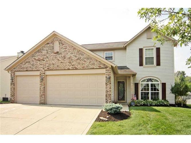 10039 Palmaire Place Fishers, IN 46038 | MLS 21632557 | photo 1