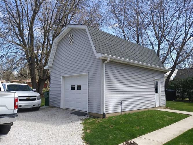 403 Lincoln Ave. Cloverdale, IN 46120 | MLS 21632566 | photo 2
