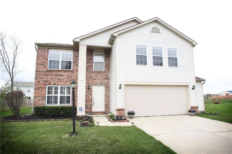 14057  Stonewood Place Fishers, IN 46037 | MLS 21632616