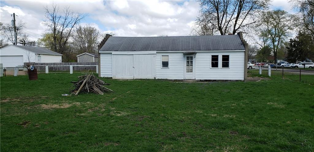 3936 W Mooresville Road Indianapolis, IN 46221 | MLS 21632774 | photo 2