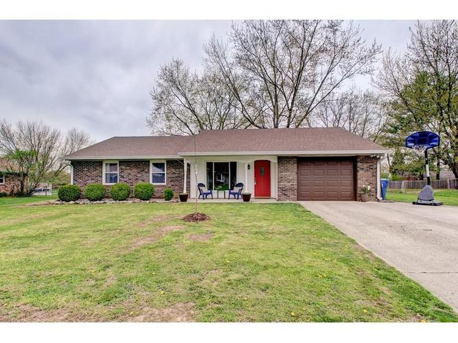 8102  WOODBINE Drive Indianapolis, IN 46217 | MLS 21632787