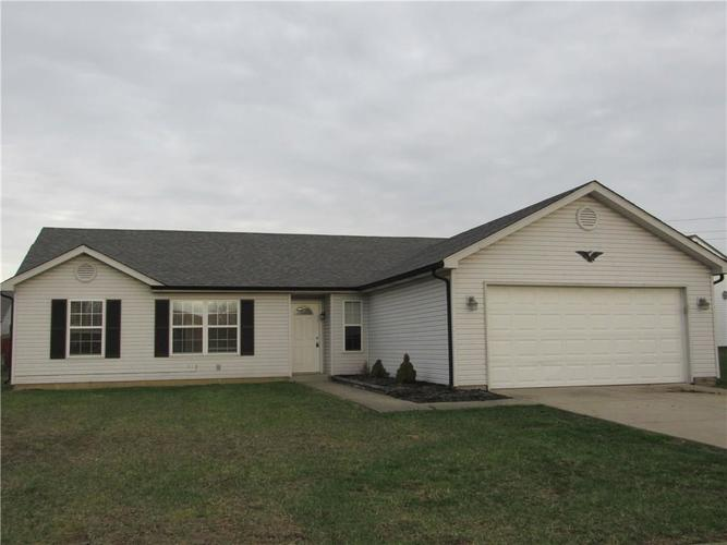 3302 N MOCCASIN Court Indianapolis, IN 46235   MLS 21632860