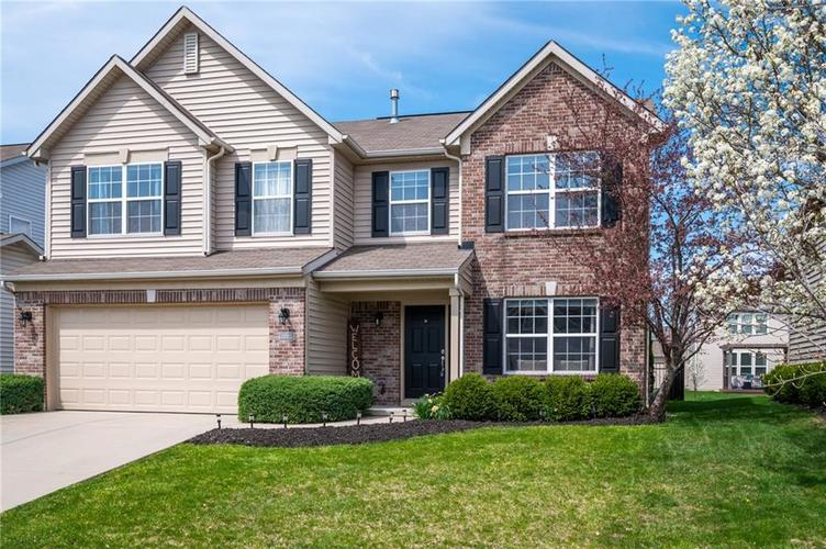 11860 Traymoore Drive Fishers, IN 46038 | MLS 21632871 | photo 1
