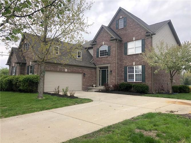 6800  Woodhaven Place Zionsville, IN 46077 | MLS 21632996