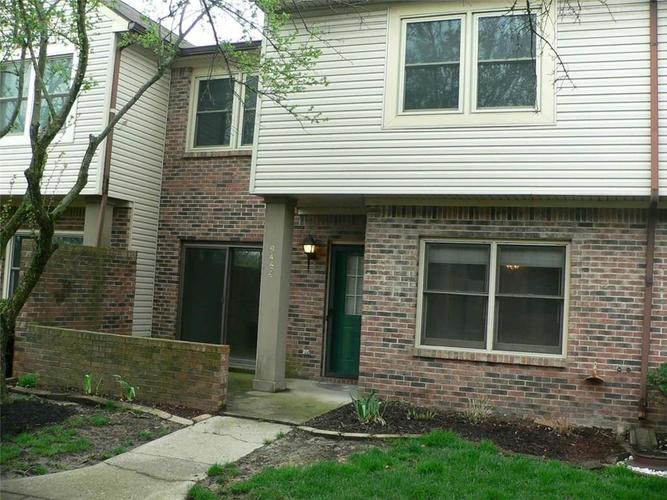 9464 MAPLE WAY #27 Indianapolis, IN 46268 | MLS 21633028 | photo 1