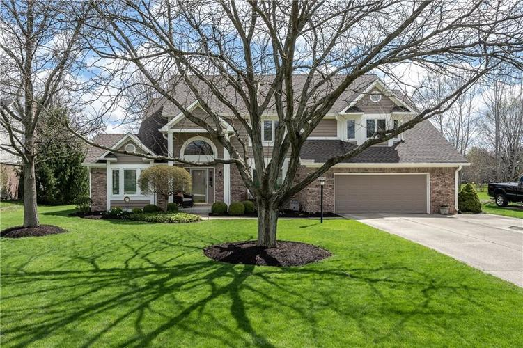 13901  Woods Edge Court Carmel, IN 46032 | MLS 21633322