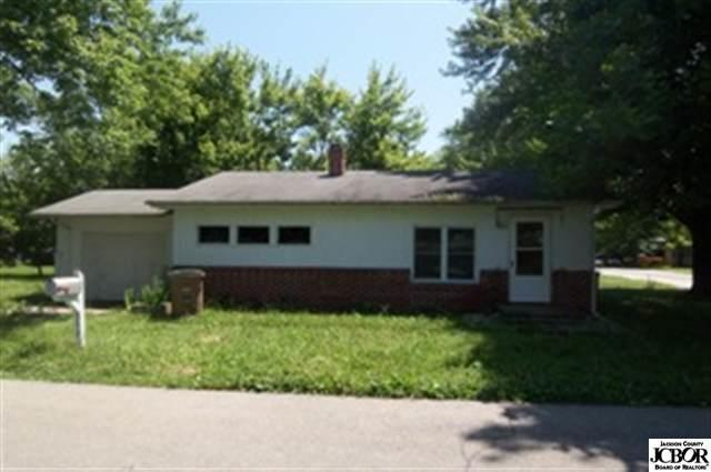 343 Glendale Drive Columbus IN 47201 | MLS 1170288J | photo 1