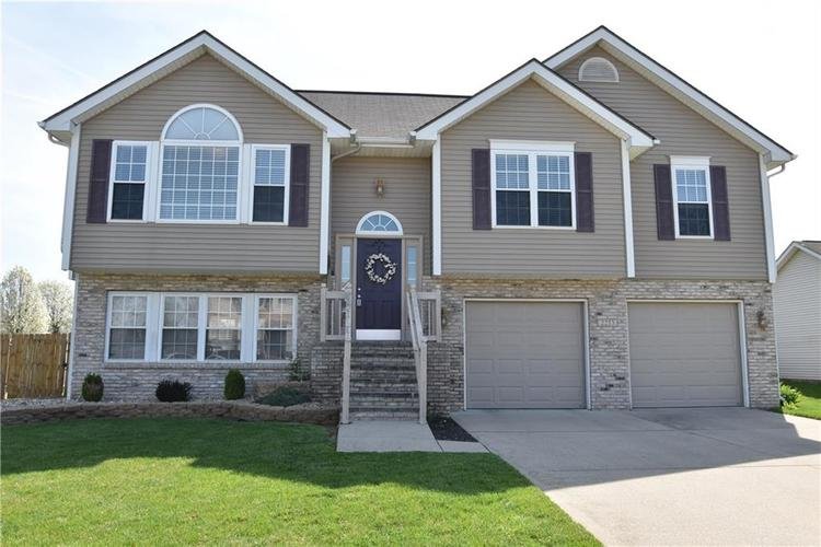 2253  Sumpter Trail Columbus, IN 47203 | MLS 21633589
