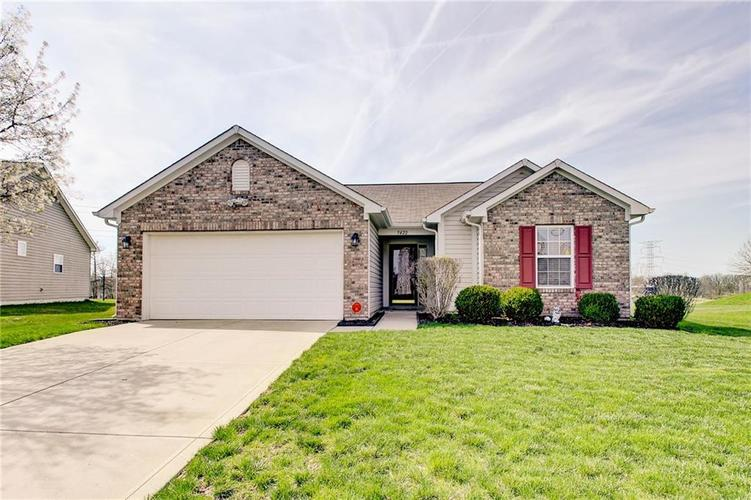 5422  Brassie Drive Indianapolis, IN 46235 | MLS 21633593