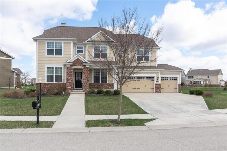12663  Moonseed Drive Carmel, IN 46032 | MLS 21634834