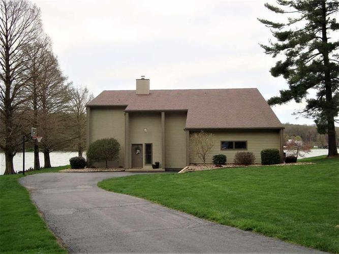 1039 E North Shore Drive  Brownstown, IN 47220 | MLS 1180629J