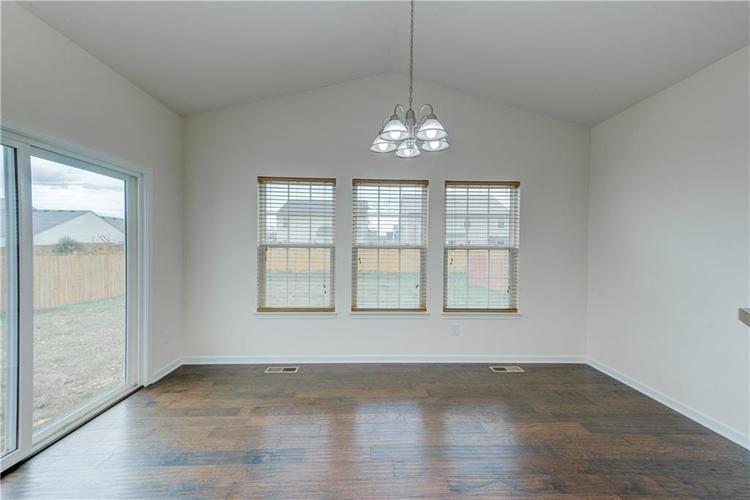 2907 Treehouse Pass Greenwood, IN 46143 | MLS 21635207 | photo 14