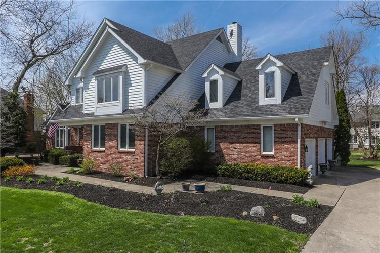 11338 Woods Bay Lane Indianapolis, IN 46236 | MLS 21635461 | photo 2