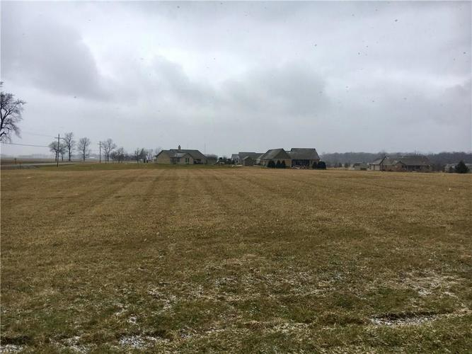 2 S County Road 330 E Frankfort, IN 46041 | MLS 21635473 | photo 1