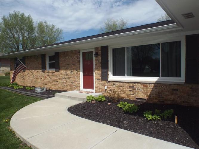 6425 Maple Lawn Road Indianapolis, IN 46241 | MLS 21635489 | photo 2