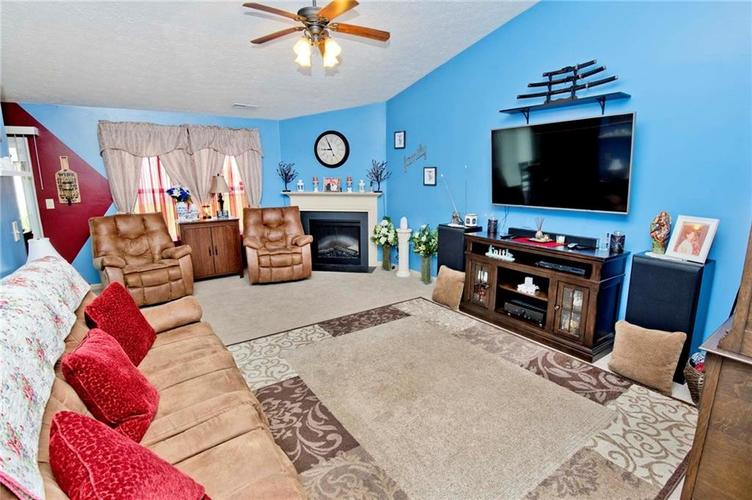 7628 Firecrest Lane Camby, IN 46113 | MLS 21635527 | photo 5