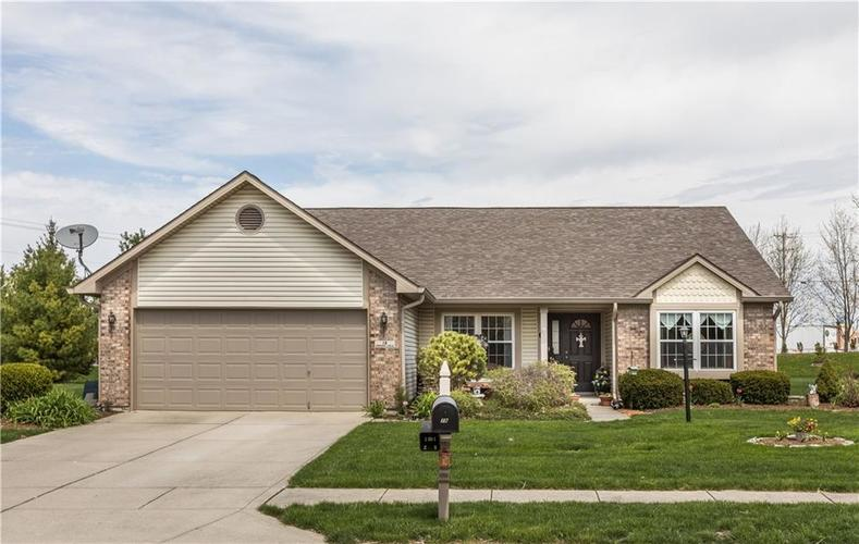 19  Somerset Circle Brownsburg, IN 46112 | MLS 21635629