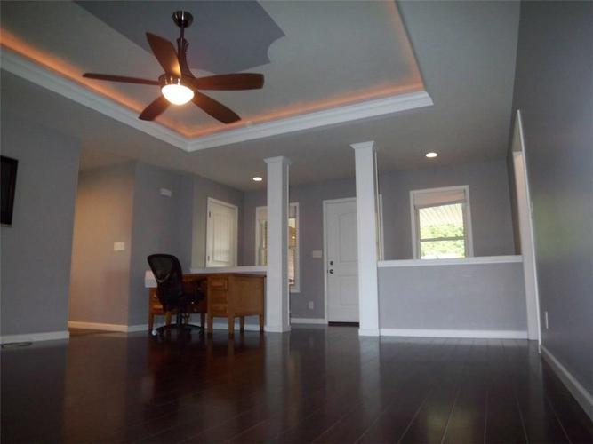 1092 Governors Lane Seymour, IN 47244 | MLS 21635644 | photo 3
