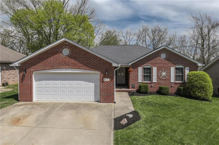 871  LINCOLN HEIGHTS Drive Martinsville, IN 46151   MLS 21635669