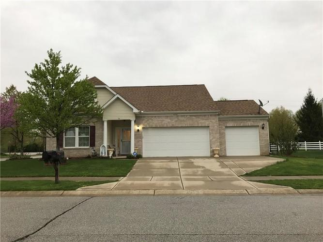 8135 Firefly Way Indianapolis, IN 46259 | MLS 21635961 | photo 1