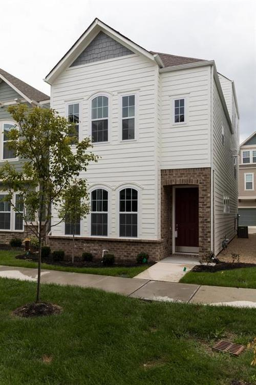 13295 Susser Way Fishers, IN 46037 | MLS 21635995 | photo 1