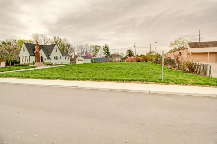 39  South Street Indianapolis, IN 46227   MLS 21636036