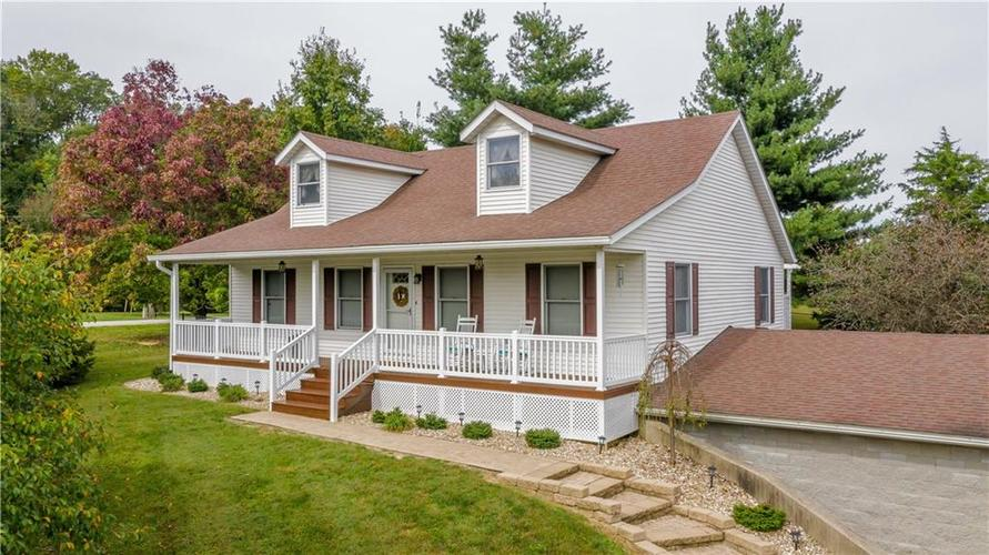 2220 W Lakeview Drive North Vernon, IN 47265   MLS 21636584