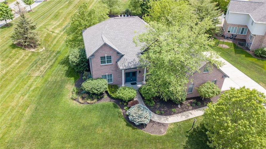 4557  Woods Edge Drive Zionsville, IN 46077 | MLS 21636663