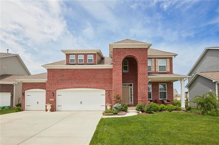 7734 Eagle Point Circle Zionsville IN 46077   MLS 21636720   photo 1