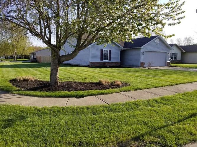 2533 Palomino Court Anderson, IN 46012 | MLS 21636925 | photo 2