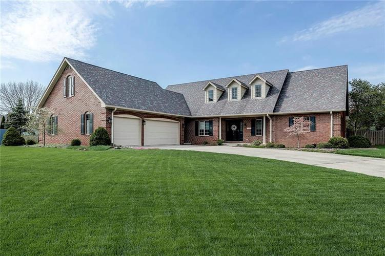 2329  Hillcrest Avenue Anderson, IN 46011 | MLS 21636984