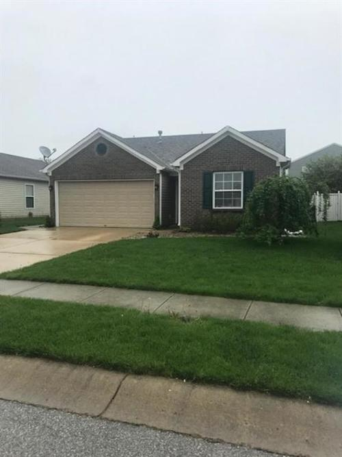 8635 Bluff Point Drive Camby, IN 46113 | MLS 21637025 | photo 2